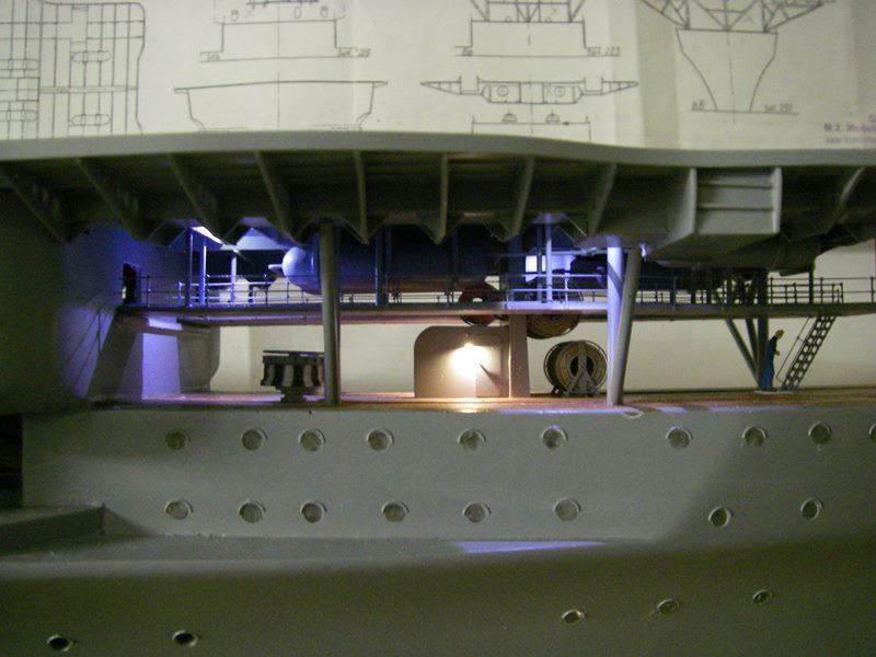 Flugzeugträger Graf Zeppelin 1:100 - Seite 17 Imgp5472