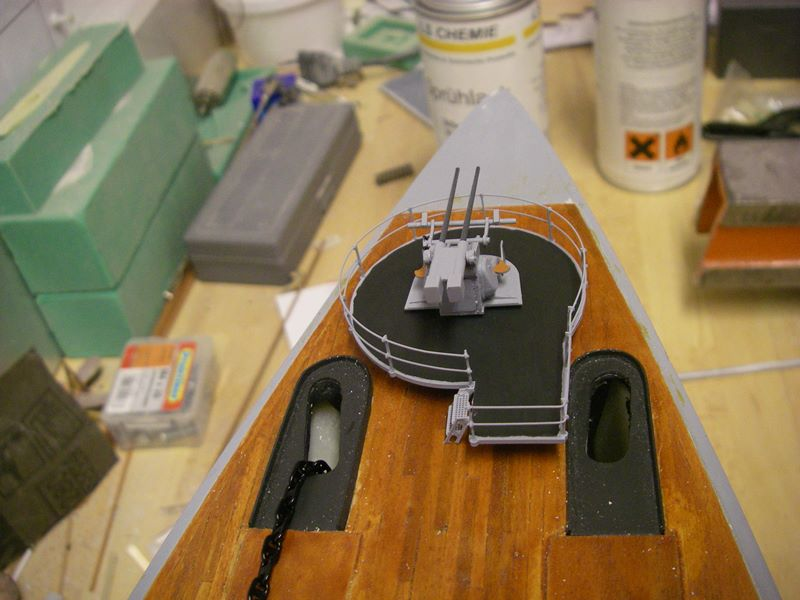 Flugzeugträger Graf Zeppelin 1:100 - Seite 17 Imgp5476