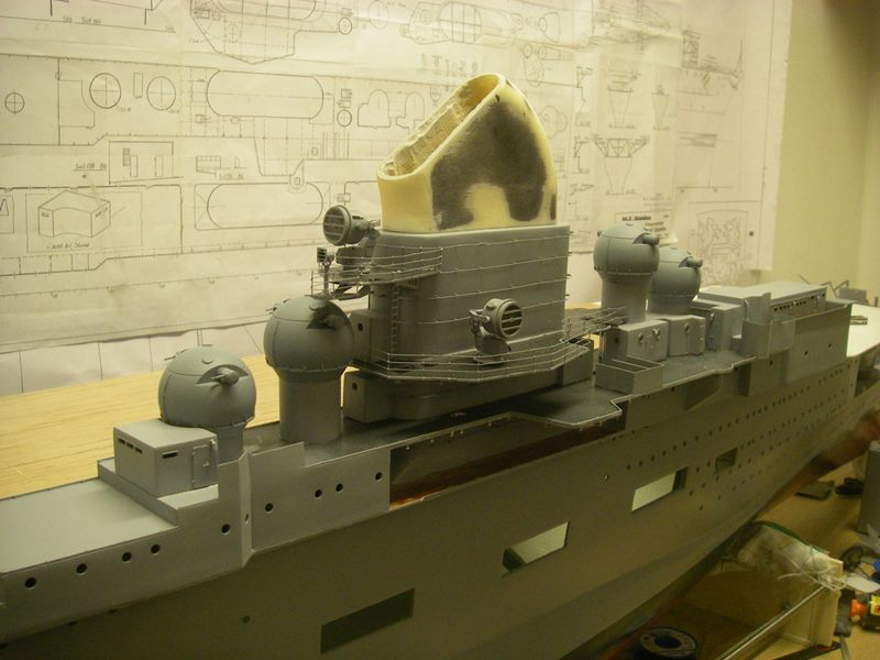Flugzeugträger Graf Zeppelin 1:100 - Seite 19 Imgp5658