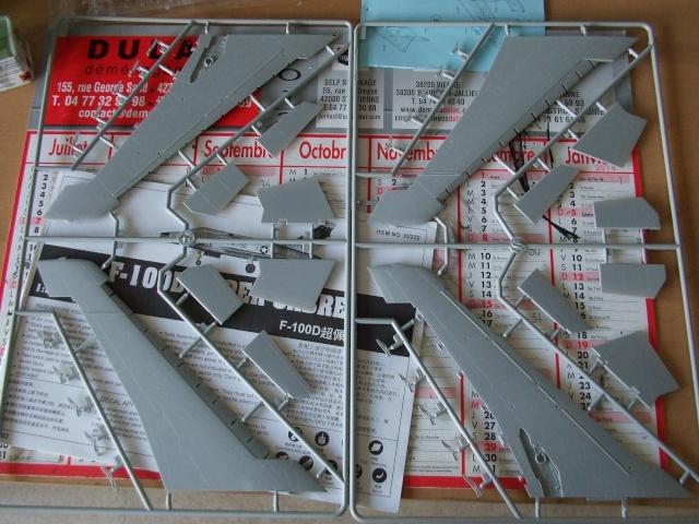 f-100 super sabre 1/32 trumpeter Dscf3823