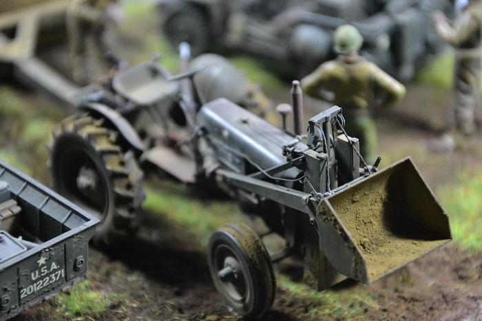 tracteur us avec rouleau compresseur Dsc_0171