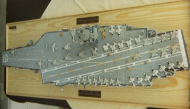 USS Enterprise (CVN65) von Tamiya 1:350  Pict0017
