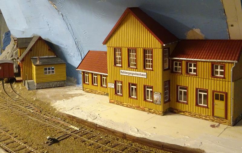 """BAE Bahnhof """"Rehberger Grabenhaus"""", M1:45 Rehber10"""