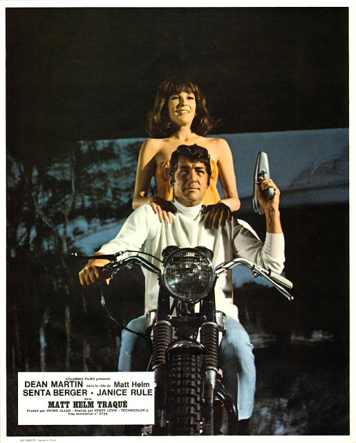 Matt Helm traqué.  The Ambushers. 1967. Henry Levin. 2110