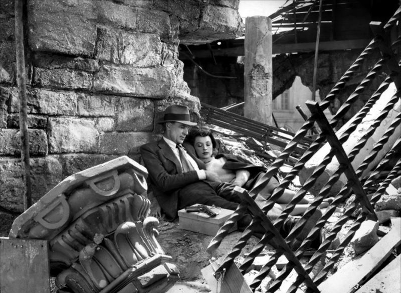 Cape et poignard. Cloak and Dagger. 1946. Fritz Lang. Cape-e10