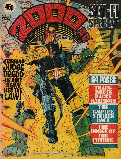 Does anyone else collect judge dredd comic or figures? - Page 7 2000_a10
