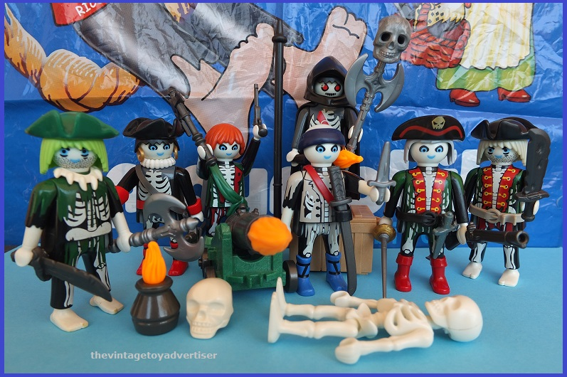 Does anyone else collect Playmobil? Playmo11