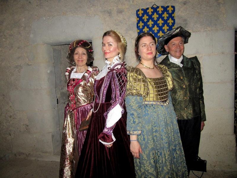 Bal Renaissance au Château de Montmirail, les photos - Page 2 Img_3410