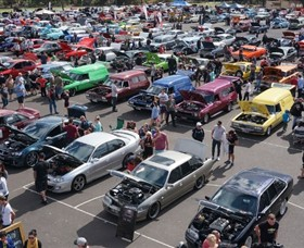 ALL HOLDEN DAY DANDENONG Multim10