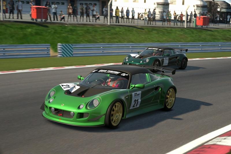 Photos de la course d'Avril Brands24