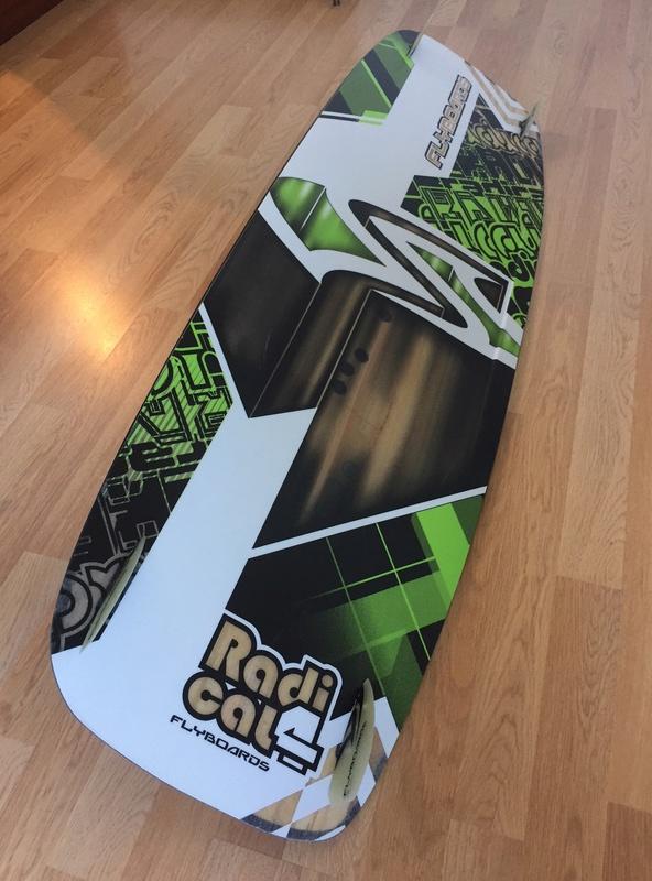 Flysurfer radical 4(vendue)  134x40 300 euros Ced00011