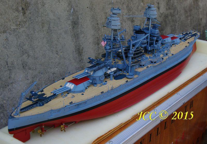 le Bismarck au 1/200° de Trumpeter Imgp5512