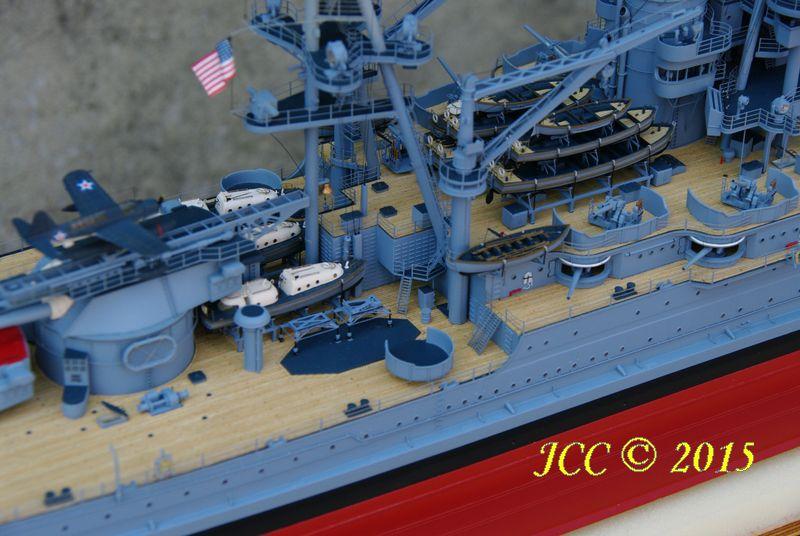 le Bismarck au 1/200° de Trumpeter Imgp5513