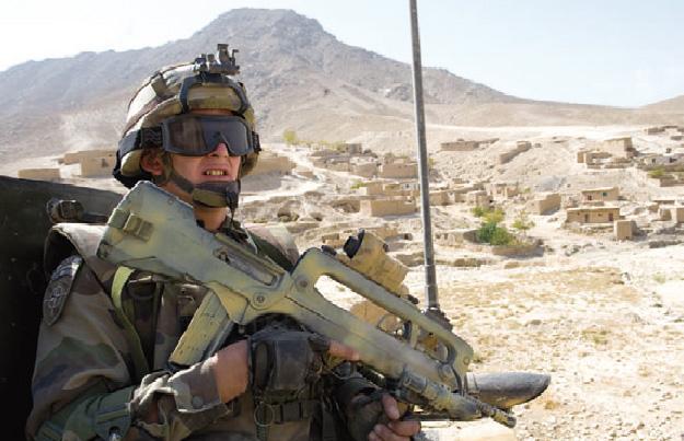 Camouflage de l'armement Afg_1213
