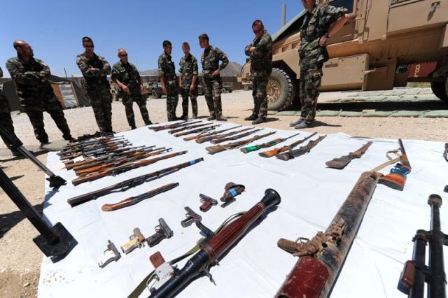 Armes saisies par les soldats Français  Afg_2212