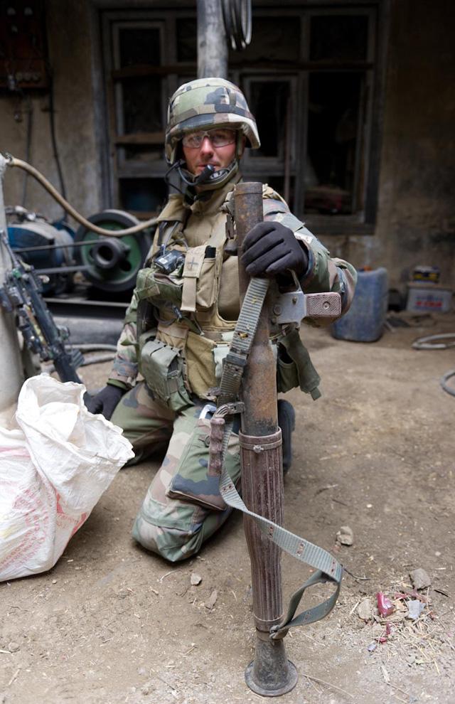 Armes saisies par les soldats Français  Afg_4715