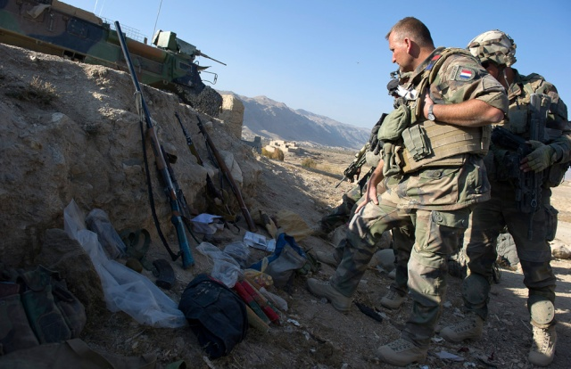 Armes saisies par les soldats Français  Afg_4717