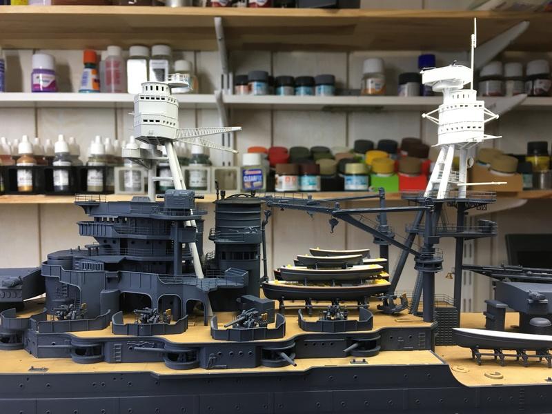 USS ARIZONA 1/200 TRUMPETER - Page 2 Img_3522
