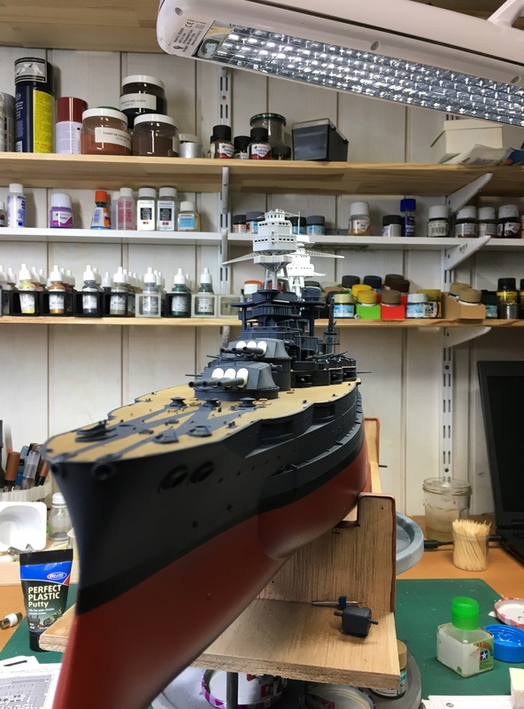 USS ARIZONA 1/200 TRUMPETER - Page 2 Img_3523