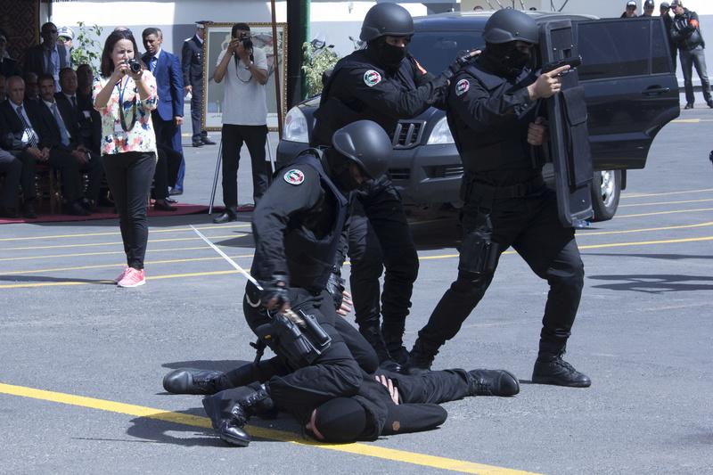 Moroccan Special Forces/Forces spéciales marocaines  :Videos et Photos : BCIJ, Gendarmerie Royale ,  - Page 10 Polce-10