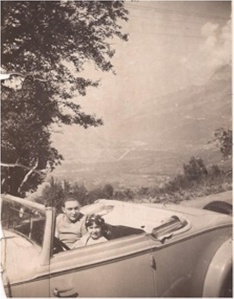 Identification cabriolet ( résolu ) Date_a10