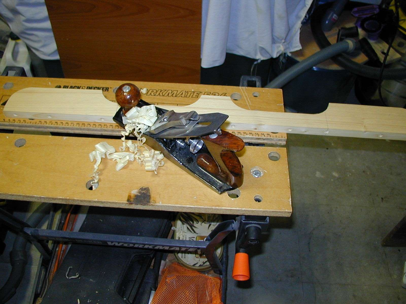 Un traineau de scie (table saw sled) 91150014