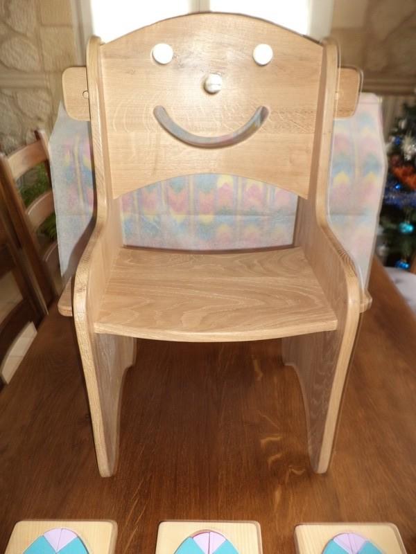 une ptite chaise rigolote Dsc00110