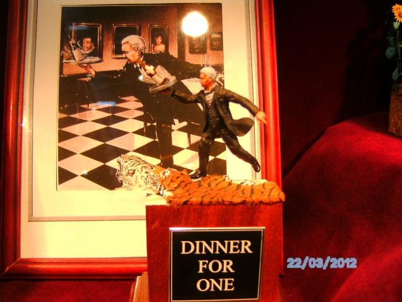 Diner for One  Scratchbau 54mm-Figur Pict0210