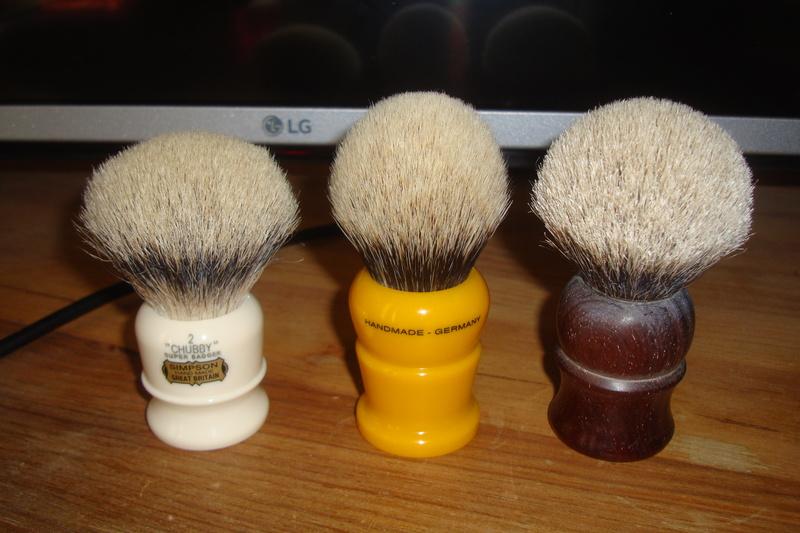 Revue : shavemac silvertip 2 bandes - Page 2 Dsc05310