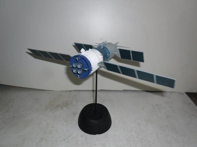 Chinese Spaceship von Trumpeter in 1:72. Baubericht. Sam_3521
