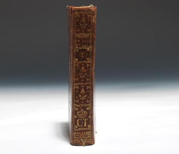 Les livres de la bibliothèque de Marie-Antoinette au Petit Trianon Captur18
