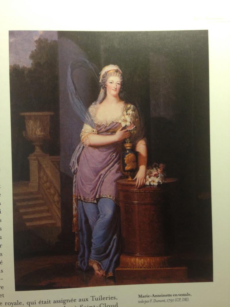 Portraits de Marie-Antoinette costumée à l'antique, ou en vestale, par et d'après F. Dumont  Img_0316