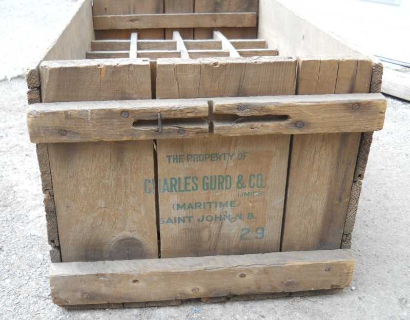 À vendre - Caisse de bois Gurd's datée 1929 Gurds211
