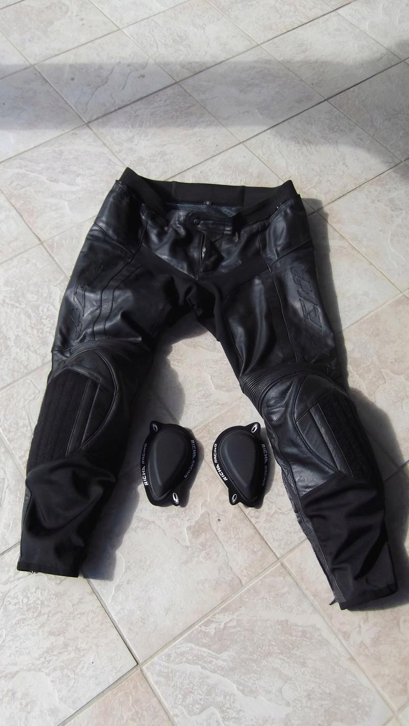 Vends pantalon cuir Richa taille 56 (48 en taille française) Dscf0020