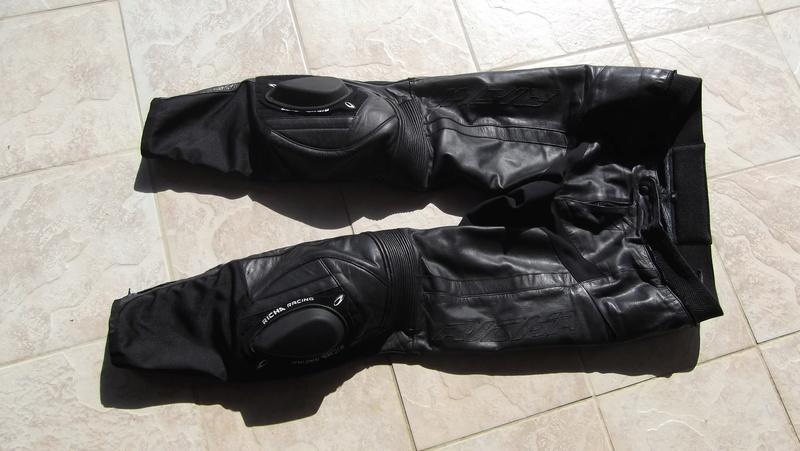 Vends pantalon cuir Richa taille 56 (48 en taille française) Dscf0021