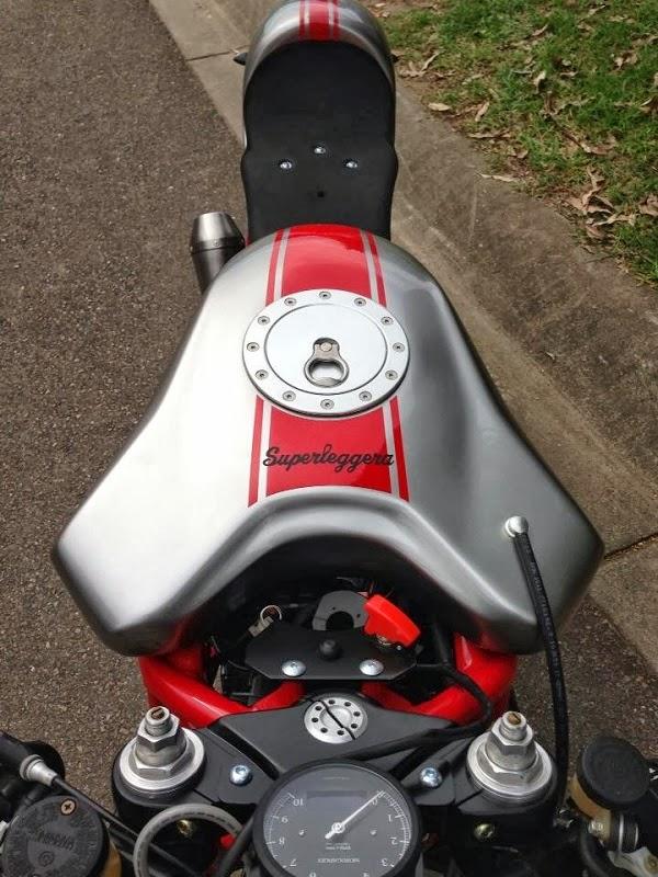 ST2 pas dégueu..... Ducati21