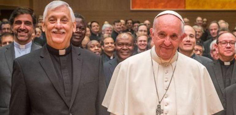 Dangers mortels du relativisme pour la foi catholique - Page 3 Arturo11
