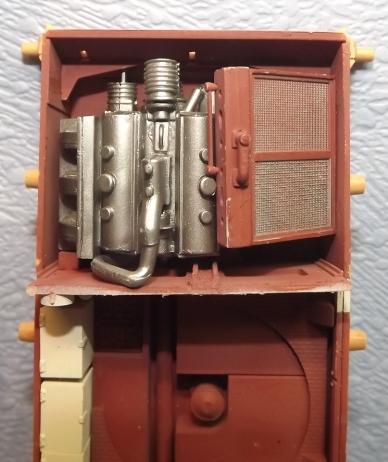PZ IVJ tamiya + interieur trumpeter (Bergepanzer IV) 1/35 - Page 2 Avance12