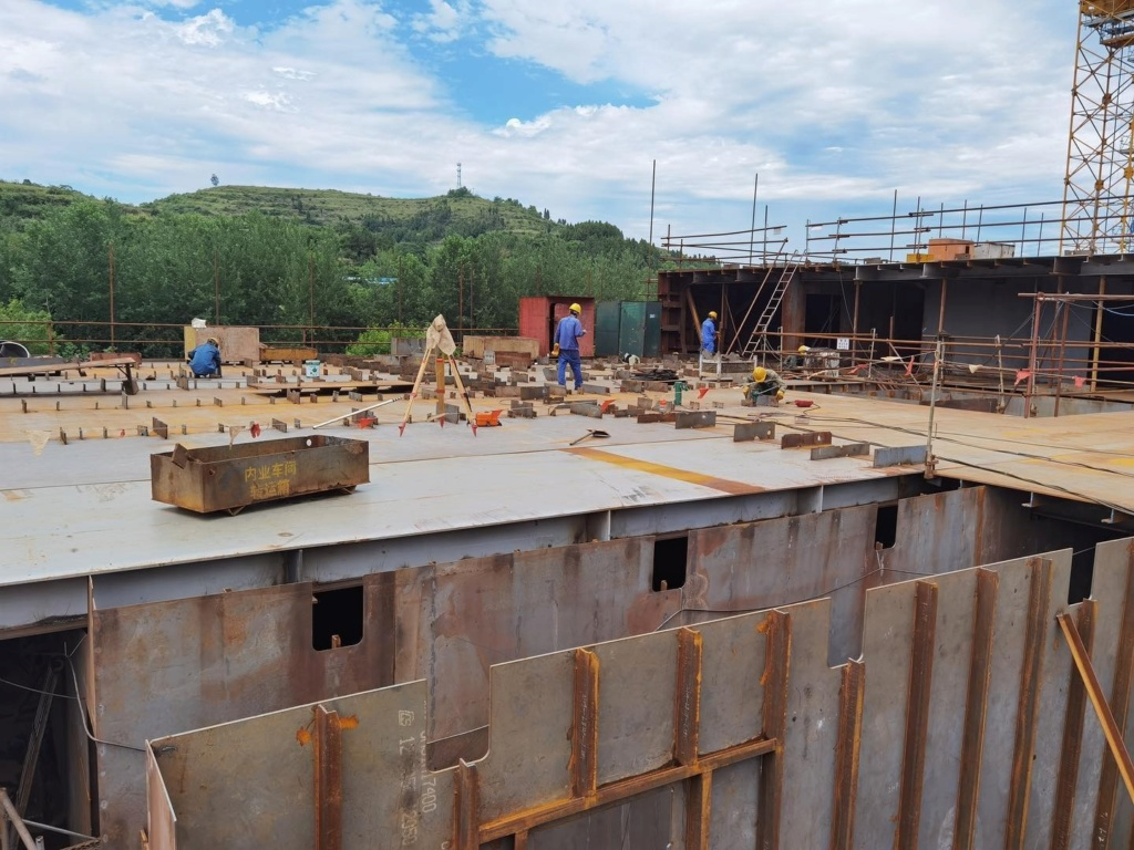 Construction d'une réplique du Titanic en Chine - Page 7 Chine112
