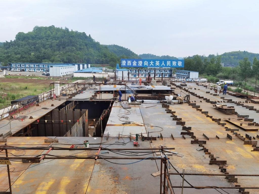 Construction d'une réplique du Titanic en Chine - Page 7 Chine116