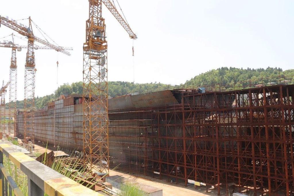 Construction d'une réplique du Titanic en Chine - Page 7 Chine210
