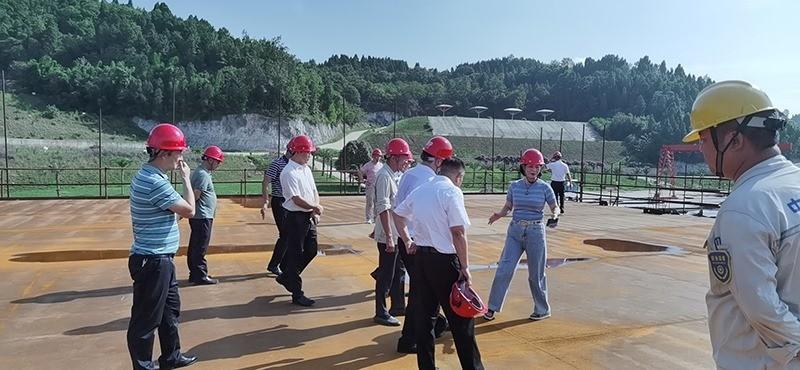 Construction d'une réplique du Titanic en Chine - Page 7 Chine213