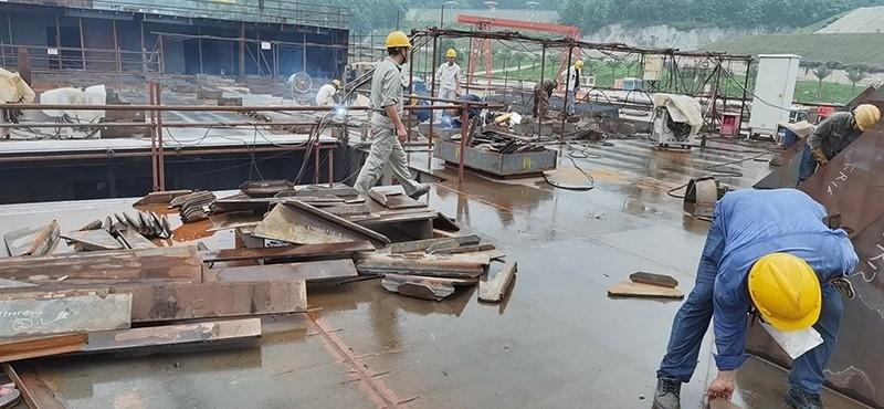 Construction d'une réplique du Titanic en Chine - Page 7 Chine214