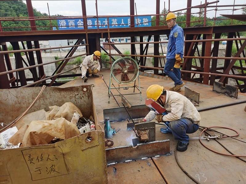 Construction d'une réplique du Titanic en Chine - Page 7 Chine215