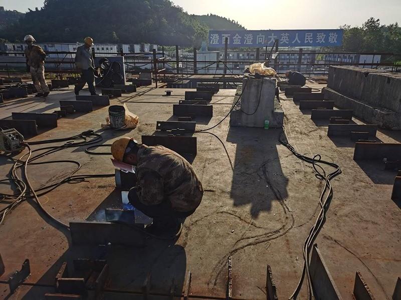 Construction d'une réplique du Titanic en Chine - Page 7 Chine217
