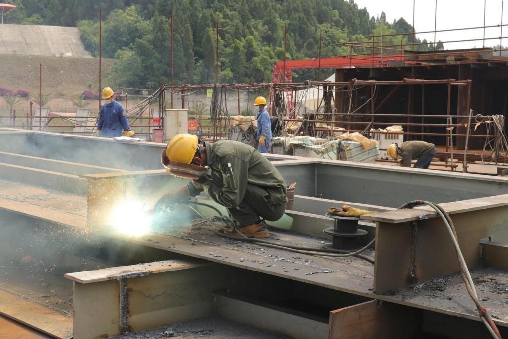 Construction d'une réplique du Titanic en Chine - Page 7 Chine710