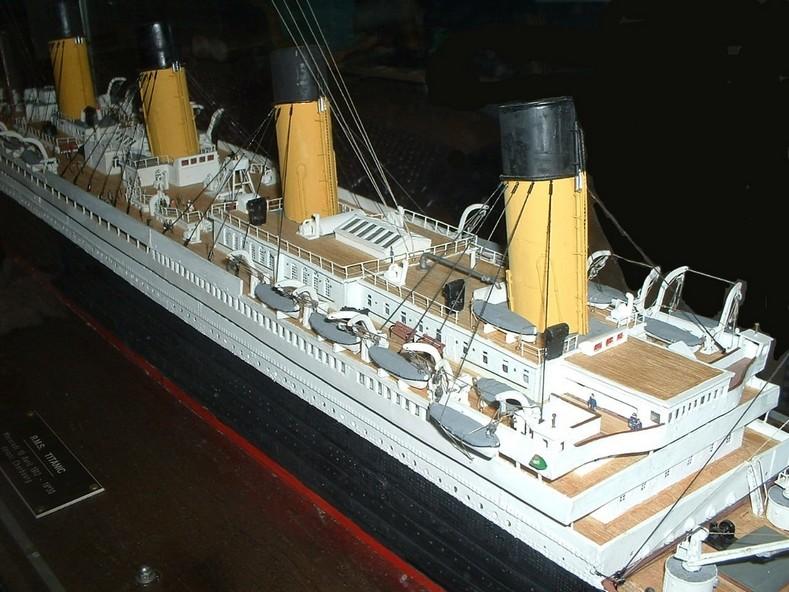 Enchères, ventes d'objets sur le Titanic - Page 6 Enchzo10