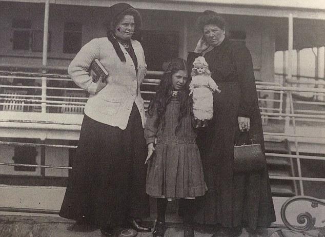 La poupée du Titanic - Page 6 Eva510