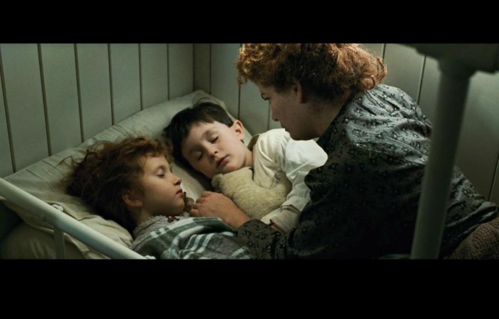 La famille irlandaise : la maman et ses deux enfants Irish-10