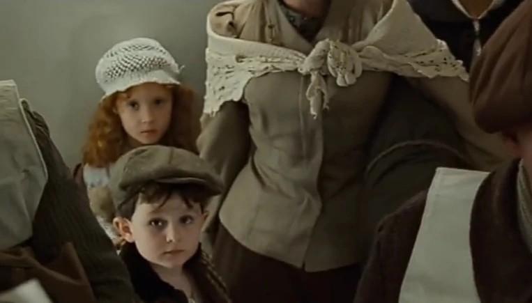 La famille irlandaise : la maman et ses deux enfants Irish610